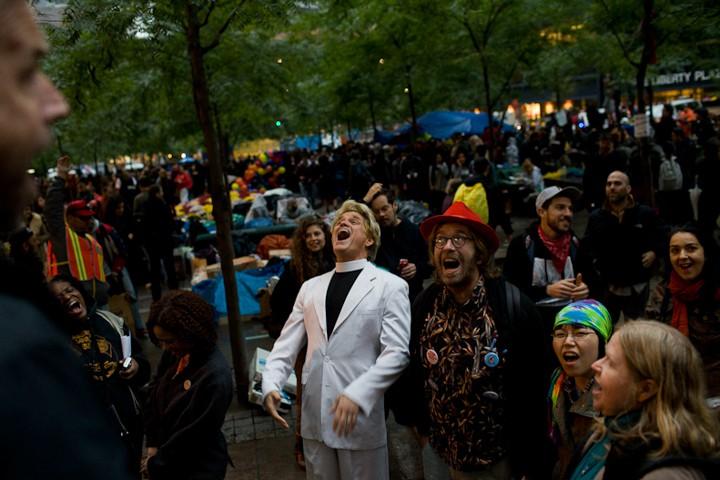 http://carlottazarattini.com/files/gimgs/th-33_occupy28.jpg